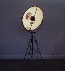Mariano Fortuny, Projecteur, coll. FRAC PC